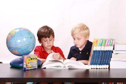 Biurko do pokoju dziecięcego