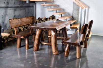 Drewniane meble w góralskim stylu