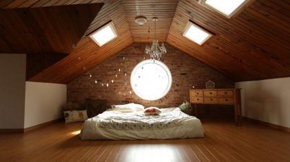 Jak dobrać rozmiar okien dachowych na poddasze?