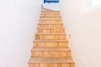Jakie schody wybrać do małego domu?