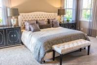 Sypialnia w stylu glamour - jak uzyskać ten efekt?